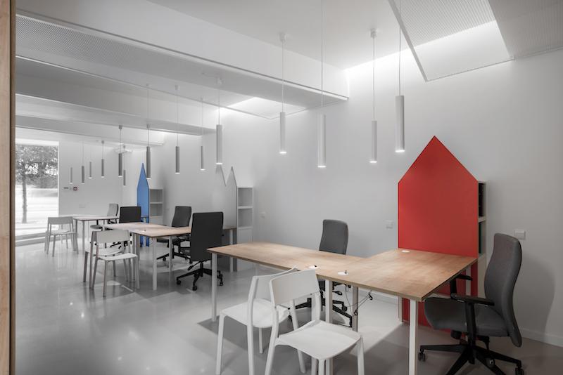 interjero dizainas - kelioniu agenturos biuras - ofisas #3