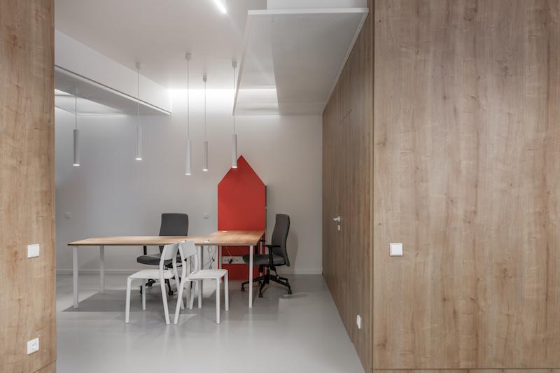 interjero dizainas - kelioniu agenturos biuras - ofisas #2