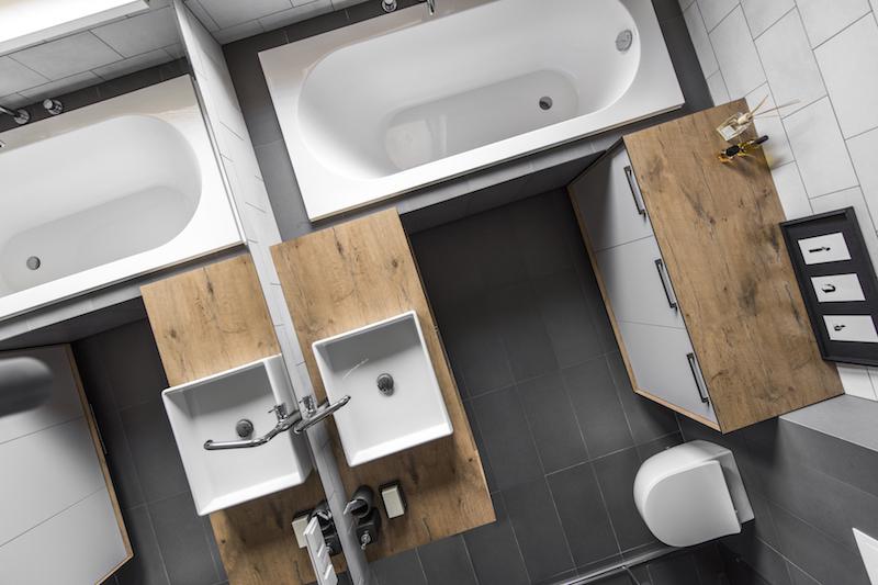 vonios interjeras - kotedzas pavilnyje