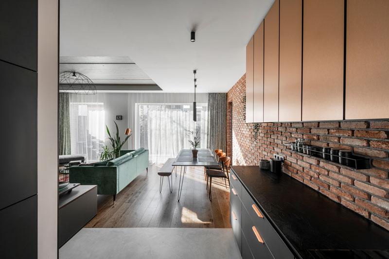 virtuves interjero dizainas - kotedzas pavilnyje #3