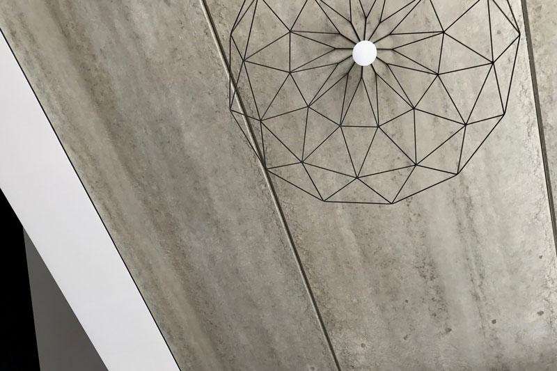 interjero dizaino pavyzdys - betono lubos - kotedzas pavilnyje