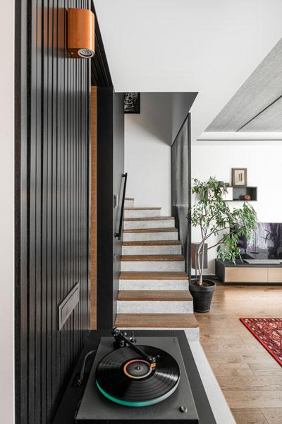 interjero dizaino pavyzdys- laiptai - kotedzas pavilnyje #6